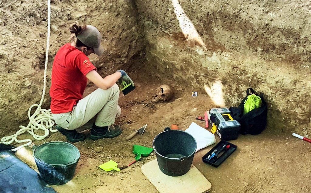 Excavación y exhumación que realiza AMEDE en las fosas comunes del franquismo. San Fernando